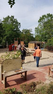 Foto des Albums: Arbeitseinsatz Spielgerät zurückbauen und großen Garten verschönern (12.09.2020)