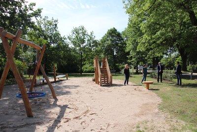 Fotoalbum Bilder vom neuen Spielplatz in der Pestalozzistraße
