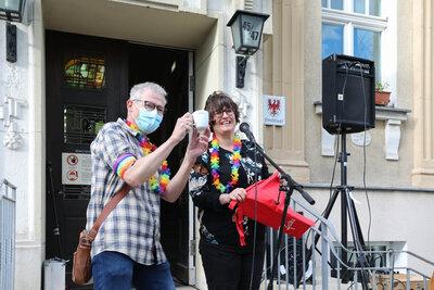 Fotoalbum Hissen der Regenbogenfahne zum IDAHOBIT am Falkenseer Rathaus