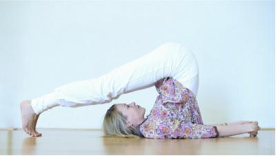 Leben mit Hashimoto - Yoga und ätherische Öle als wertvolle Begleiter