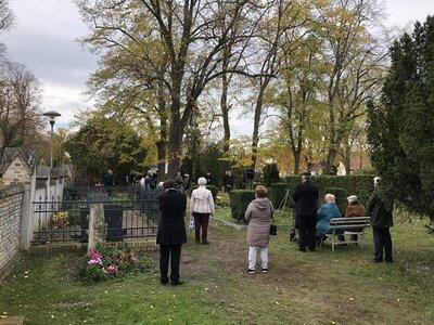 Andacht auf dem Paretzer Friedhof am Volkstrauertag 2020, Foto: S. Weber