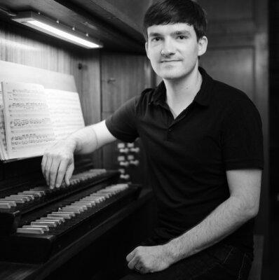 Johannes Stolte an der Orgel