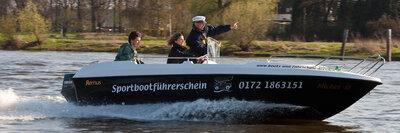 Die praktische Prüfung erfolgt auf unserem Ausbildungsboot