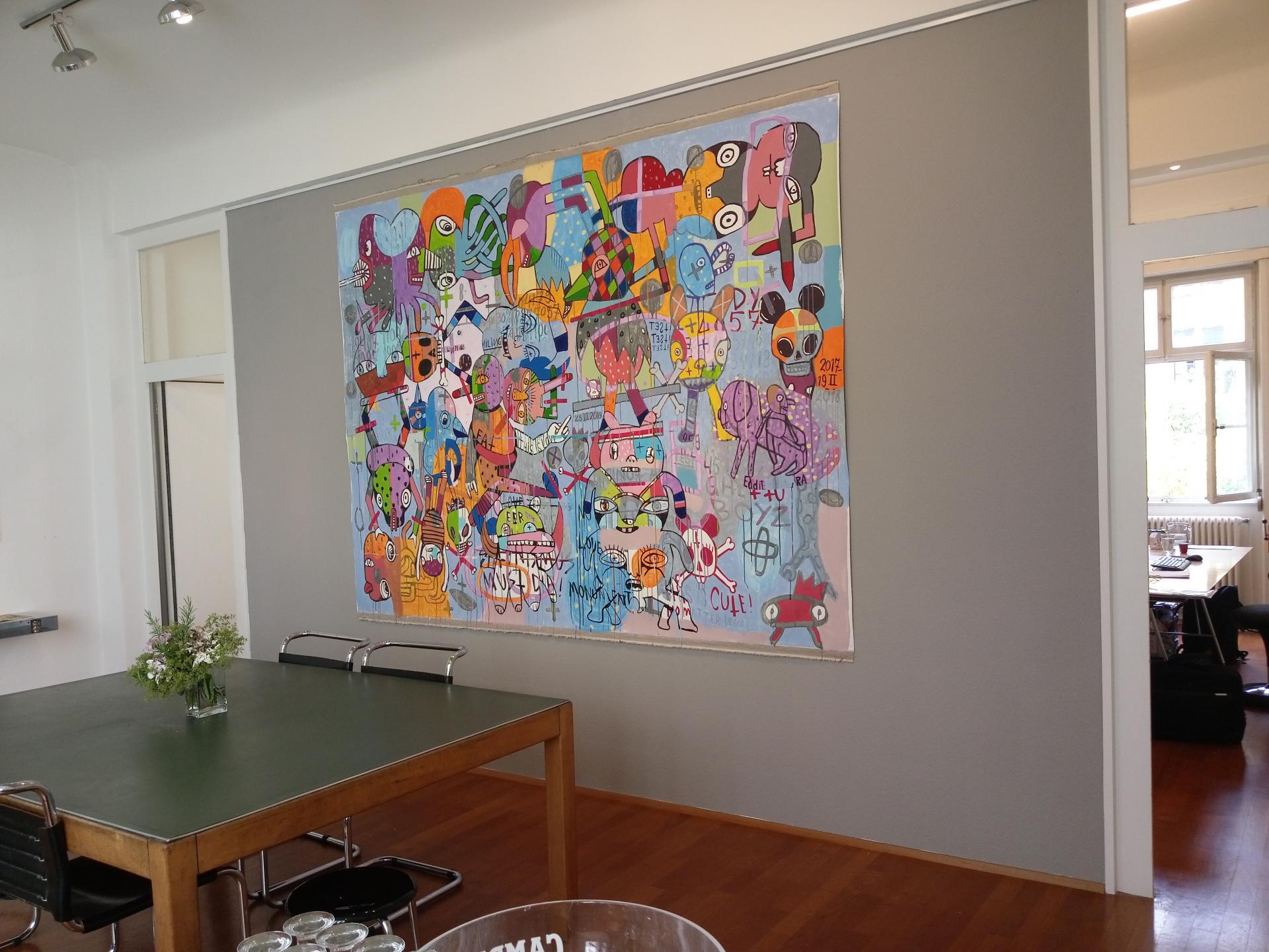 Meetingraum mit Kunstwerk von Eddie Hara