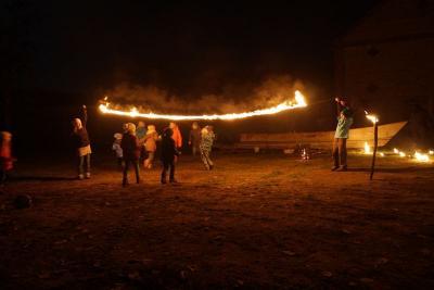 Fotoalbum Schattentheater und Feuershow auf Butzower Martinsfest