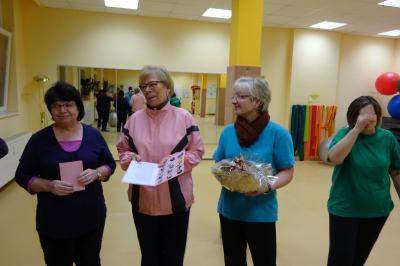 Fotoalbum Fitnessgruppe gemischt verabschiedet Doris