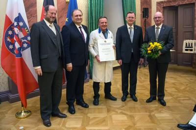 Fotoalbum Ramelow gratuliert Altenburger Friseurmeister Müller