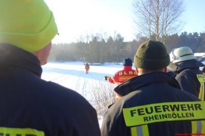 Fotoalbum Eisrettung - Übung der Feuerwehr mit DLRG Rheinböllen