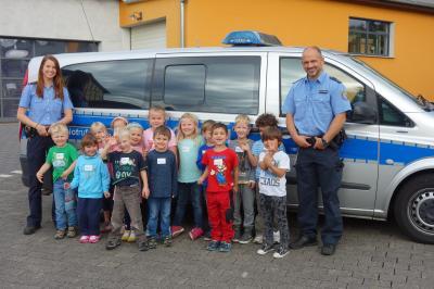 Fotoalbum Leuchtende Kinderaugen empfingen die Polizei