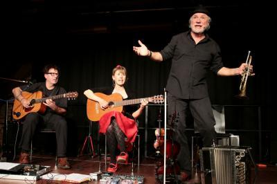 Fotoalbum Bairisch Diatonischer Jodelwahnsinn - Musik - Kabarett