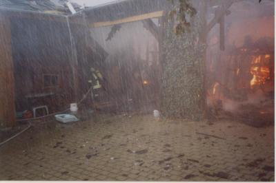 Fotoalbum Brand nach Blitzschlag in Burglemnitz