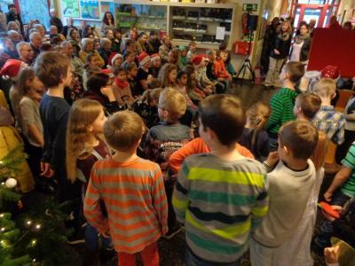 Fotoalbum Weihnachtsfeier und Basar 2016