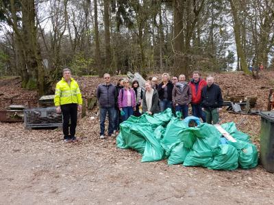 Fotoalbum Aktive der Müllsammelaktion 2017