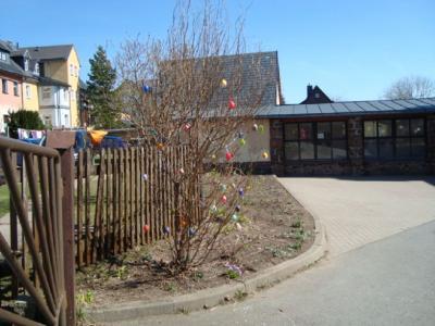 Fotoalbum Anlegen der Rasenfläche auf dem Schulhof