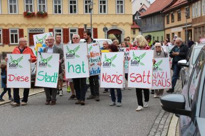 Fotoalbum Unsere Stadt hat Nazis satt - Plakatmalaktion in Themar