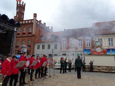 Fotoalbum Offizielle Eröffnung des Hanse-Stadtfestes mit Fanfarenzug und Schützen