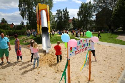 Fotoalbum Eröffnung Spielplatz Straße des Friedens in Gransee
