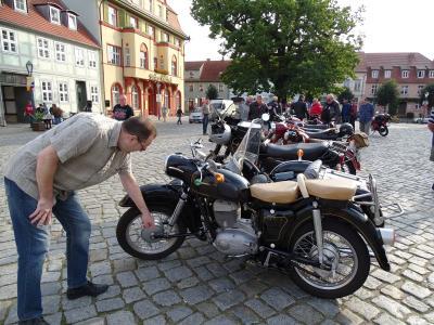 Fotoalbum Kyritz knattert - Oldtimer-Rallye des Jawa-Clubs