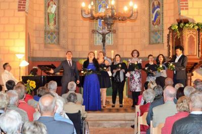 Fotoalbum Oper unterm Staffelgiebel in der Kirche
