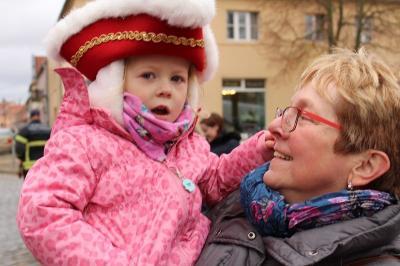 Fotoalbum Narren-Sturm auf das Kremmener Rathaus