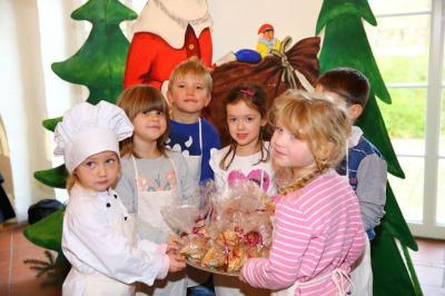 Fotoalbum Weihnachtsbäckerei in Meseberg