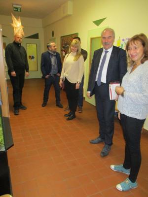 Fotoalbum Staatssekretär Martin Gorholt besucht Kita Casekow und erlebt, wie Kinder spielend und singend Polnisch lernen