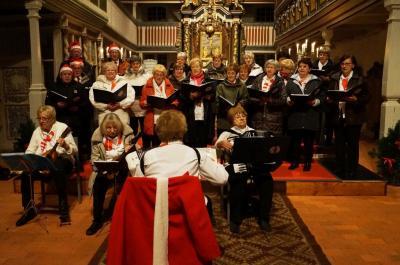 Foto des Albums: Weihnachtskonzert in der Kirche Sankt Marien in Dahme zum Weihnachtsmarkt (16.12.2017)