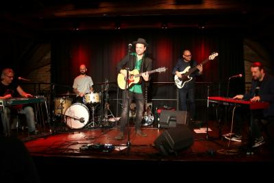 Fotoalbum Hundling        Ois Chicago – Bairisch Folk`n Roll