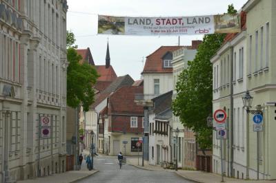 """Fotoalbum Ausstellung """"Land, Stadt, Land"""" in Perleberg"""
