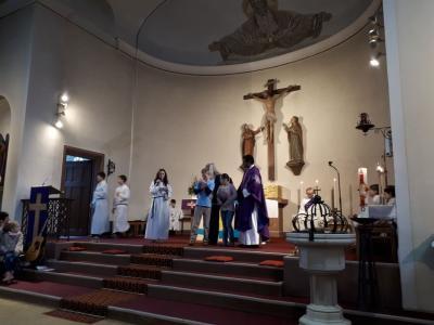 Fotoalbum Familiengottesdienst und Spendenübergabe der Ministranten Weiher