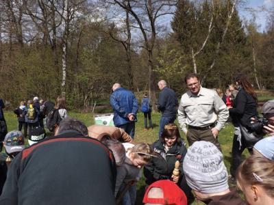 """Fotoalbum Baum des Jahres 2018 """"Esskastanie"""" wurde auf dem Waldhof in Silberhütte gepflanzt"""