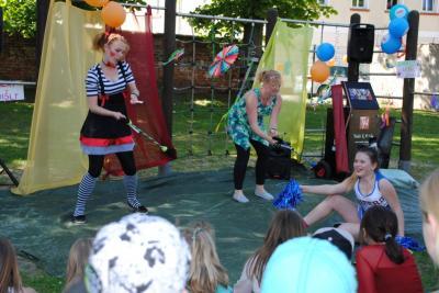 Fotoalbum Kunterbuntes Zirkustreiben in der AWO Wohngemeinschaft für Kinder und Jugendliche in Perleberg