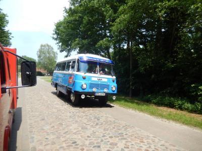 Fotoalbum Robur-Bus des rbb in Hoppenrade