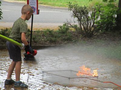 Fotoalbum Besuch der Feuerwehr bei den Baumbacher Weltentdeckern