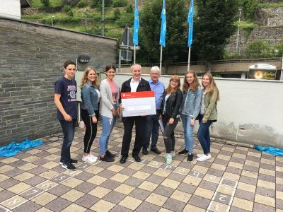 Fotoalbum Schülervertretung des WHG organisiert Schulfest – Spendenübergabe an Caritas International