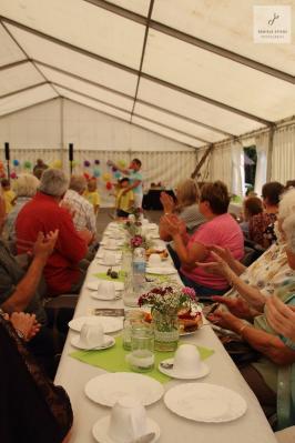 Fotoalbum Seniorennachmittag im Sülter Festzelt
