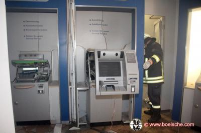 Fotoalbum Gebäudebrand nach Sprengung eines Geldautomaten, Lübz