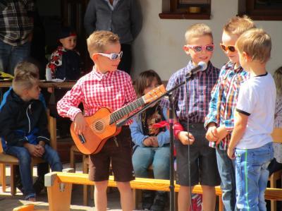 """Fotoalbum Sommerfest in der KiTa """"Baumbacher Weltentdecker""""."""