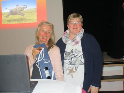 Fotoalbum Hinfallen, aufstehen, Krone richten, weitergehen -Theresia Maria de Jong