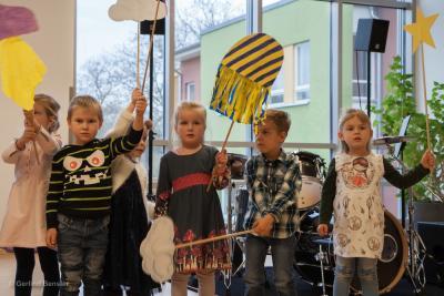 Fotoalbum Lübzer Schüler präsentieren unterhaltsames Programm