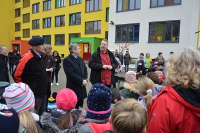 Fotoalbum Bilder von der Einweihung der Außenanlagen der Elblandgrundschule