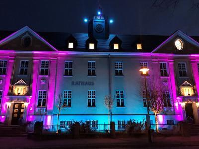 Fotoalbum Falkenseer Rathaus leuchtet in der Adventszeit