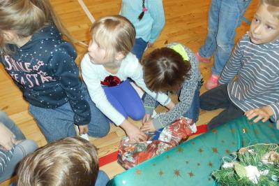 Fotoalbum Weihnachtsstaffeln Klasse 1-4