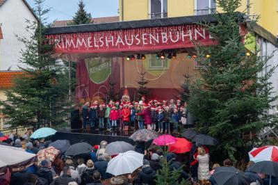 Fotoalbum Die Grundschüler präsentieren sich auf dem Weihnachtsmarkt