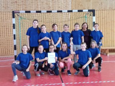 Fotoalbum Unser Siegerteam der Mädchen im Zweifelderballturnier in Hennigsdorf