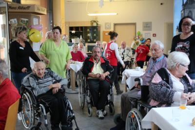 Fotoalbum Unser Narrenschiff machte Staion im Seniorenheim in Heide Nord