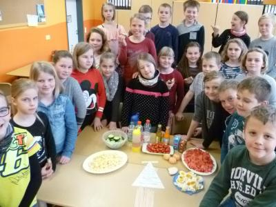 Fotoalbum Ernährungspyramide in der Klasse 4a