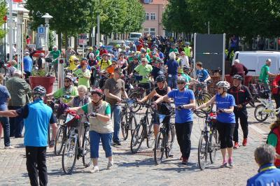 Fotoalbum Radler der Tour de Prignitz pausierten in Pritzwalk