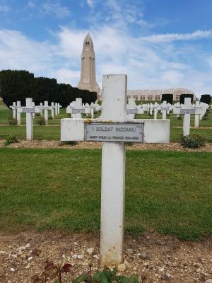 Fotoalbum WHG-Schüler besuchen Gedenkstätte in Verdun