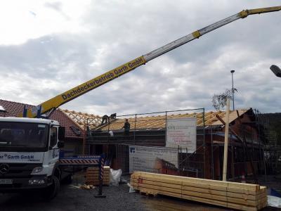 Fotoalbum 31.05.19 - Weiterbau am Dach; Maiabschluss